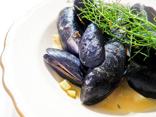 Post image for Mussels with Wine, Bacon & Fennel