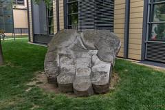 """Leipzig, Altenburger-Straße, """"Gib mir Fünf"""" (joergpeterjunk) Tags: leipzig altenburgerstrase outdoor kunst beton hand gibmirfünf canoneos7dmarkii canonefs1022mmf3545usm"""
