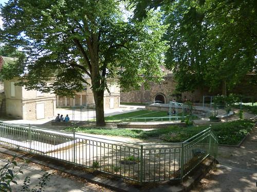 Boulevard Maréchal Joffre, Beaune - Théàtre de verdure