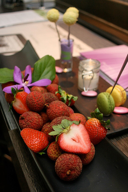 A boatload of sweet lychees, strawberries and trio of desserts greeted us in the room. We all felt so pampered!