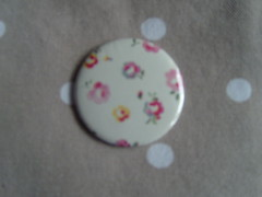 Cath Kidston Mini Rose on White (Lilies and Daisies) Tags: magnets badges compactmirrors