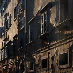 light (Cosimo Matteini) Tags: light sun building window pen rustic croatia olympus shutters peel pore parenzo epl1 cosimomatteini