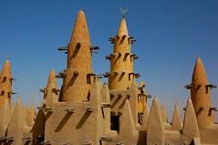 Mud-built Mosque, Mali (Chris G Images) Tags: africa building sahara architecture minaret muslim islam faith religion mosque rebellion mosquee mali touareg tuareg sahel moschea mosquée traditionalbuilding azawagh mudbuiltmosque azawad culturedusahara