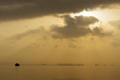 El primer viaje (José Andrés Torregrosa) Tags: sol clouds marina canon barco amanecer nubes 2010 joseandres losalcazares 40d tokina1116