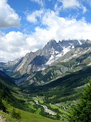 Val Ferret (Andrea Copparini) Tags: mountain landscape ferret valle natura val monte roccia courmayeur mont montagna bianco blanc valledaosta catena valledaoste massiccio