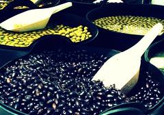 (aromalimon) Tags: black green spain market outdoor panasonic olives aceitunas picnik aromalimon