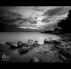 Vertorama : Changi East (Tomatoskin) Tags: sea white black sunrise rocks boardwalk kam changi  sigma10mm changieast canoneos40d tomatoskin vertorama locationsingapore