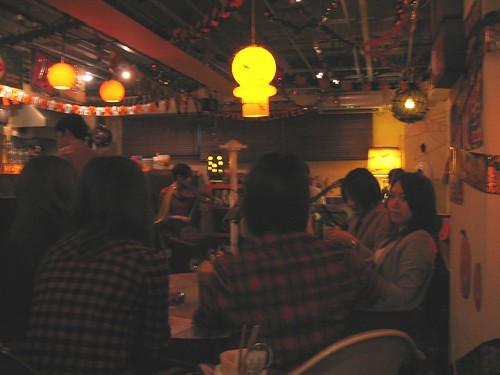 開演前のBurnny's Cafeの店内 by Poran111