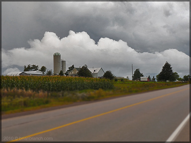 P1110964_clouds_and_farm
