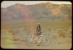 (Gaby J Photography) Tags: mountains bike bicycle vintage desert nevada lightleak frame beachcruiser middleoffreakinnowhere louisekatedador adventurezz