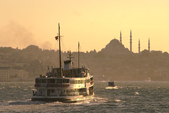 Bosphorus impression (michael_hamburg69) Tags: ferry skyline turkey golden abend asia asien europa europe moments sundown urlaub trkiye sightseeing istanbul september trkei journey bosphorus fhre reise 2010 estambul boaz abendstimmung bosporus bosphore avrupa sehenswrdigkeiten byzanz stambul bsforo constantinopolis europeancapitalofculture kltr konstantinopel byzantion bakenti
