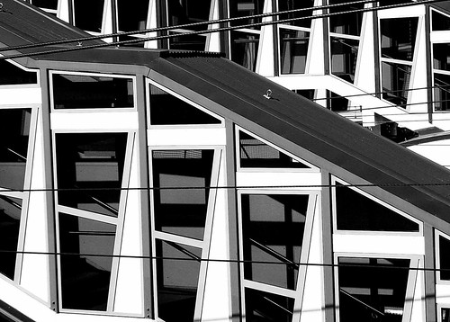 2009-08-29 14-22-14 - IMG_3015_B&W Stairway Angles