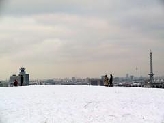 Teufelsberg (Jonny__B_Kirchhain) Tags: above schnee winter snow berlin germany deutschland hiver nieve fromabove neve invierno neige inverno allemagne   oben grunewald teufelsberg   vonoben   trmmerberg