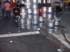Kegs piled up behind a beer truck (Coasterville) Tags: oktoberfest zinzinnati