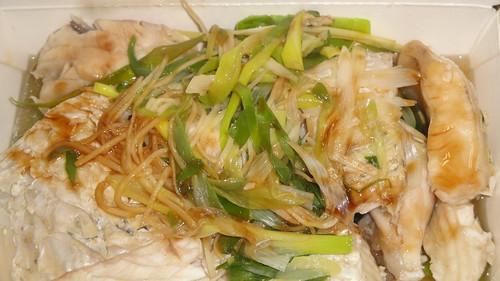 強記的白灼薑蔥魚腩