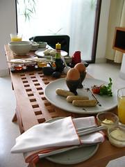 Let's sea breakfast in room