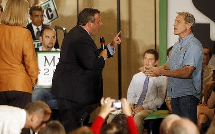 Christie yells at heckler - CA 9/10