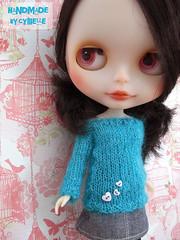 Ninon's new sweater!