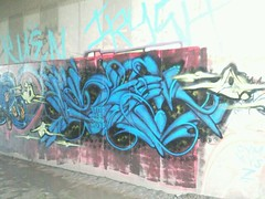 pheo (Bustin Everything Wild Krew) Tags: blue green yellow graffiti albuquerque bubbles el paso bew pheo killas bewk