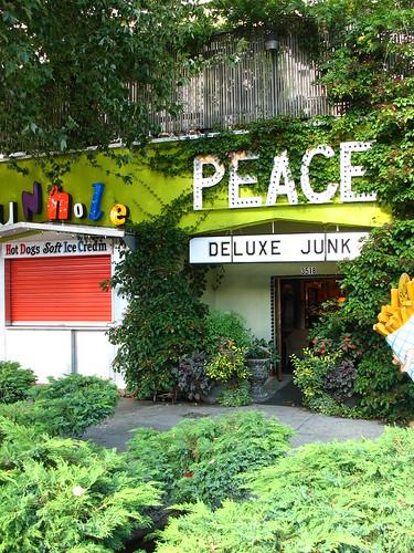 peace + deluxe junk = <3