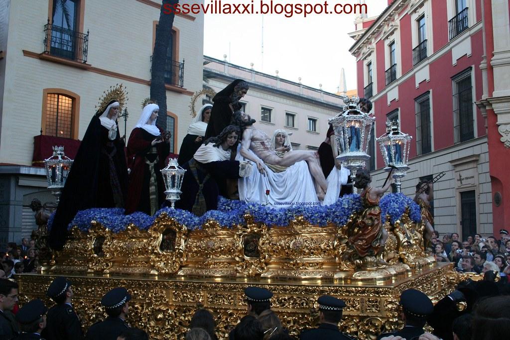 Misterio del Cristo de la Caridad en su Traslado al Sepulcro y Nuestra Señora de las Penas, Lunes Santo 2007