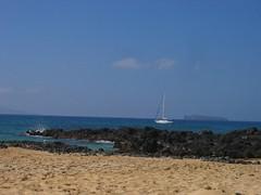 Sailboat ~ Molokini In Background (stu_macgoo) Tags: ocean hawaii lava sand scenery waves maui makena makenacove