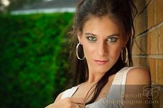 Sophie Milord (SophieMilord) Tags: ca canada montréal style québec extérieur fonds physique cheveuxlongs cheveuxbruns fondblanc cheveuxraides yeuxbleux montržal qužbec yeuxclairs extžrieur clientrating