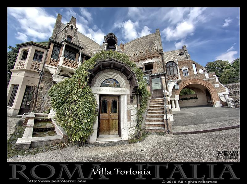 Roma - Villa Torlonia - Casa de las lechuzas 02