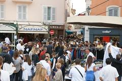 La Braderie de Saint-Tropez (Saint-Tropez Addict) Tags: saint zoe french grande riviera village or tropez cote 2009 azur braderie tourisme 2010 soldes sainttropez commerants affaires commerces commercants
