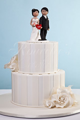 Irene & Kevin (Rouvelee's Creations) Tags: roses cake weddingcake polymerclay caketopper chocolatemudcake rouvelee