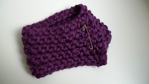 purple loom knit scarflette