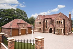Sandtoft's Goxhill Handcrafted in Sussex Blend (Sandtoft Roof Tiles) Tags: roofs roofing newroof newbuild sandtoft claytiles clayroof traditionalroof clayplaintiles sandtoftrooftiles plaintiles humberclay sandtoftclayplaintiles goxhillhandcrafted sussexblend sandtoftroof