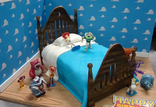 toy story room cake