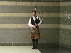 Bagpiper Anthony Byrne (kealohasurf) Tags: woman anthony celtic bagpiper byrne