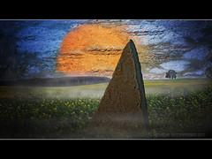 Der Monolith (Howdys) Tags: photoshop feld skulptur digiart fels monolith sonne stein raps baum badenwuerttemberg oggelshausen dreieckig