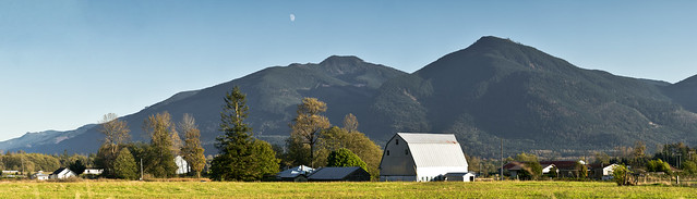 Moonrise in Sedro-Woolley