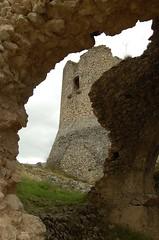 Scorci di architettura fortificata (Donna ortucchiensis) Tags: muro stone torre castello muri ortona muratura mastio ortonadeimarsi donnaortucchiensis valledelgiovenco