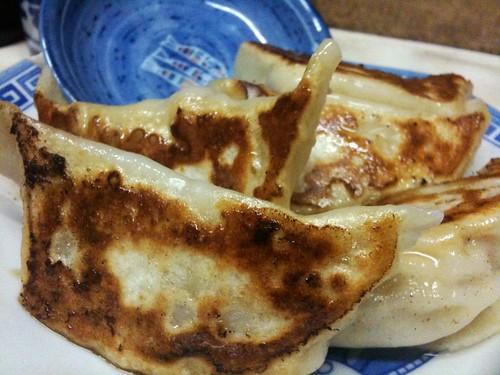 #MiyaMeshi #Utsunomiya  ふんよう菜館の餃子も食べ歩きするなら是非!