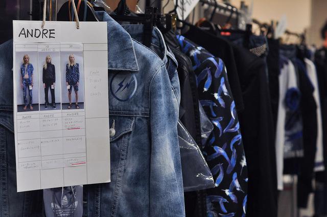 Andrej Pejic3065_SS11_SS11_Tokyo_VANQUISH BS(Fashionsnap)