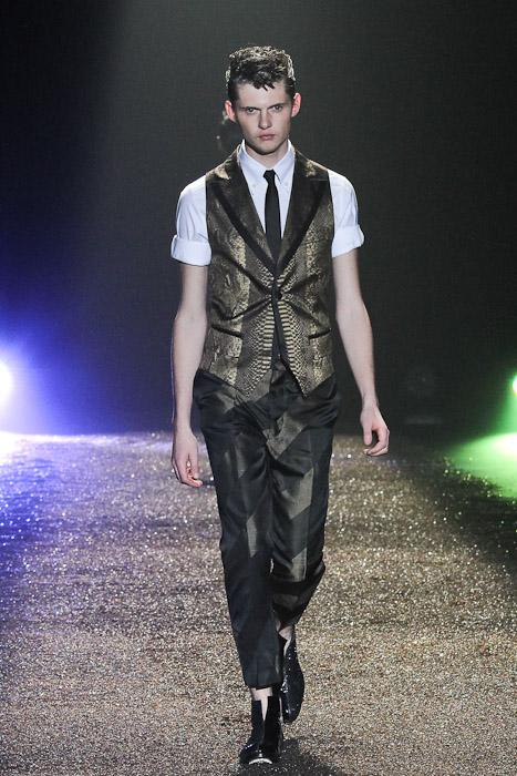 Matteo Haitzmann3067_SS11_Toky_@IZREEL(Fashionsnap)