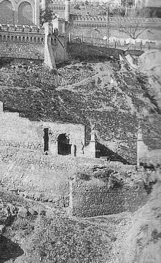 Puerta de Doce Cantos hacia 1910. Fotografía de Pedro Román Martínez (detalle)