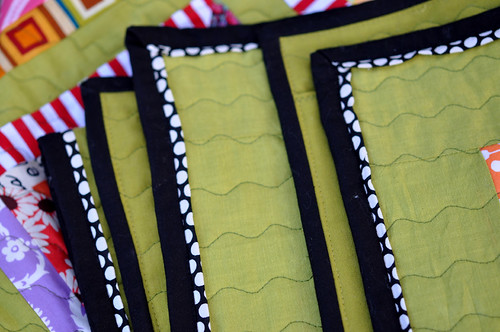 Beehive quilt - binding detail 1