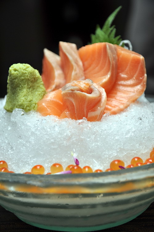 Salmon Sashimi with fish roe