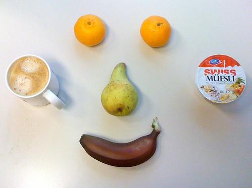 Swiss Müesli, Clementinen, Birne & rote Banane