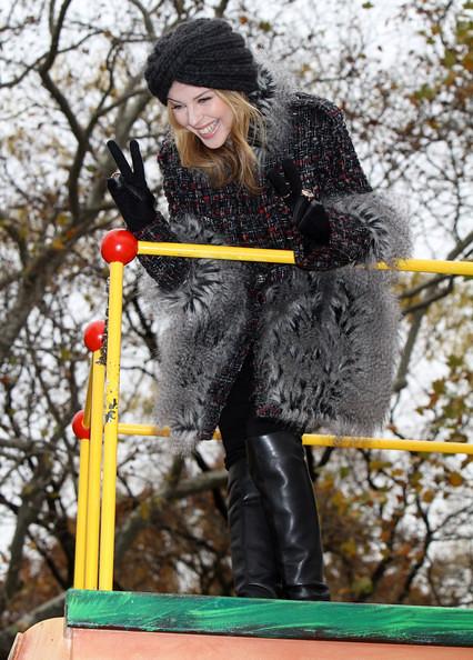 Kylie+Minogue+Celebrities+Attending+Macy+Thanksgiving+rA_nDQptpE0l