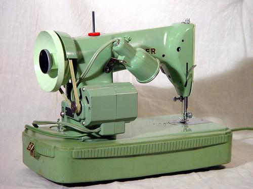 Singer Sewing Machine Model J40 Circa 40 Green Goddess A Photo New Singer Green Sewing Machine