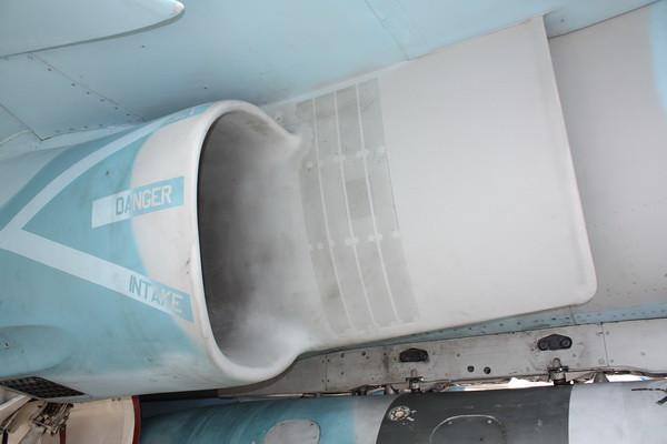 EAA10_FA-18C_111