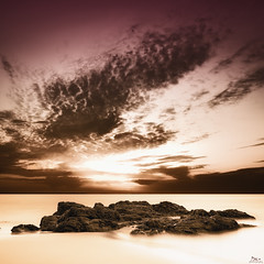 Soleil levant! {EXPLORED - FP} ( David.Keochkerian ) Tags: longexposure sea sun mer seascape france water colors sunrise landscape photo eau image bretagne explore morbihan rocher hoya nd400 coours poselongue nokon keochkerian