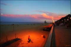 Ghost rider (Pemisera) Tags: barcelona sunset beach atardecer playa barceloneta nocturna plage ocaso platja nocturn capvespre pemisera