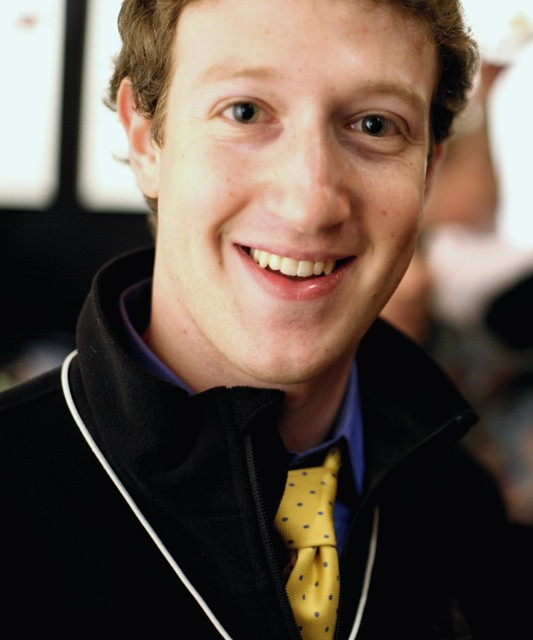 Mark Zuckerberg [3]. An other pic on which the contact lens on his left eyes